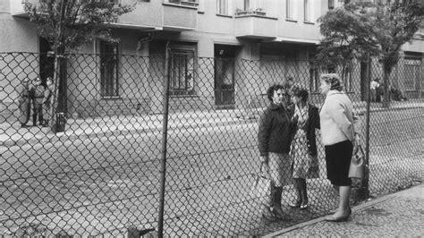 9 Est In Deutschland by Berlin Un Mur De B 233 Ton S 233 Pare L Est De L Ouest 1961