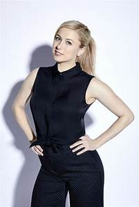 Comedian Iliza Shlesinger Brings Her Brand of Stand-Up to