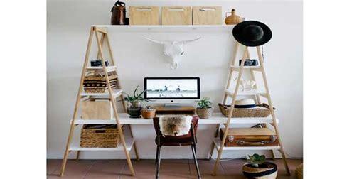 fabriquer un valet de chambre bureau à réaliser avec des échelles en bois deco cool