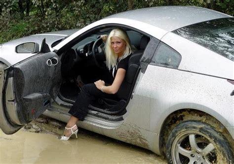 nissan  stuck   mud   blonde news top speed