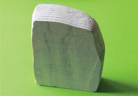 Steatite Mineral by Why Is Soapstone Slippery The Nature Of Steatite