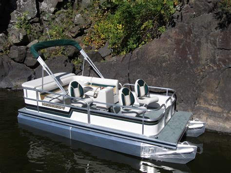 Fish And Ski Boats For Sale Near Me by 1700 Sundeck Pontoon Sundeck Boats Pontoon Sundeck For