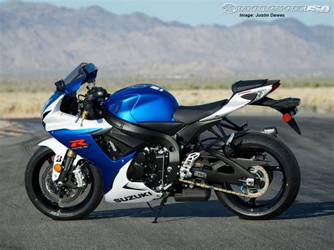 Suzuki Gsx R750 Bike Hd Wallpaper Download