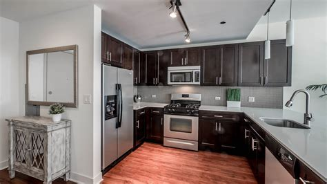 Three bedroom luxury apartments at 1225 Old Town
