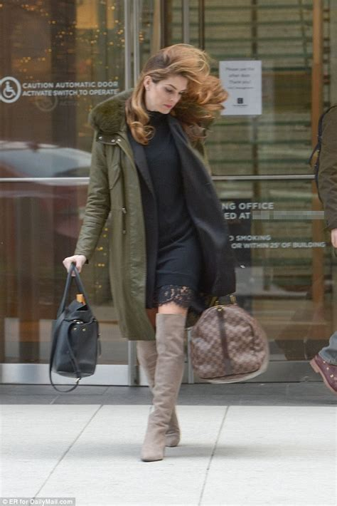 Hope Hicks lugs Louis Vuitton bag as she ditches DC for ...