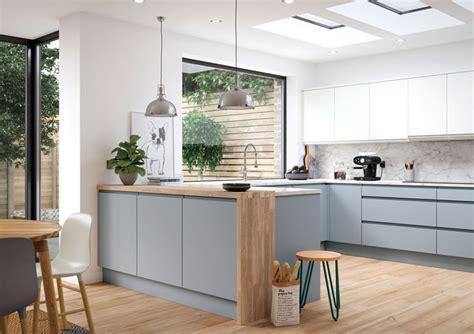 aconbury luna handleless  pull kitchen range