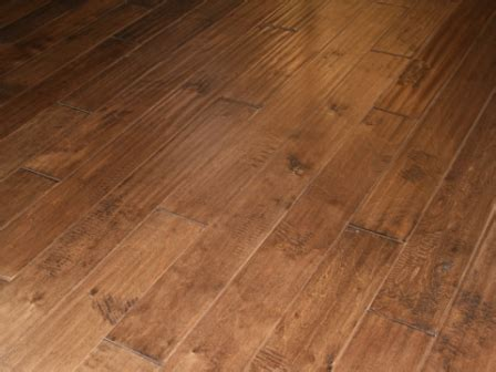 "FloorUS.com   9/16"" Multilayer Distressed Hand Scraped"