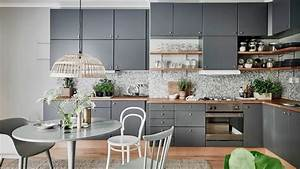 awesome cuisine gris perle et bois gallery seiunkelus With idee deco cuisine avec chaise salle a manger cuir gris