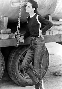 Mode Femme Année 50 : les ic nes en jean des ann es 50 aujourd 39 hui marie claire ~ Farleysfitness.com Idées de Décoration