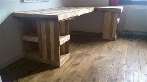 how to make a computer desk diy pallet computer desk and chair pallet furniture plans