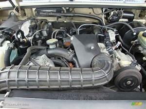 2000 Ford Explorer Xlt 4x4 4 0 Liter Ohv 12