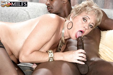 Short Haired Mature Stocking Clad Woman Tracy Licks Giving