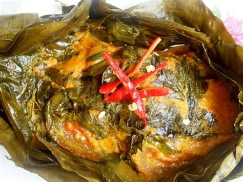 However, other kind of meat such as beef, chicken or seafood might be used as well. Menu Kreasi Pepes Sajian Lezat Sahur dan Buka Puasa   Tagar