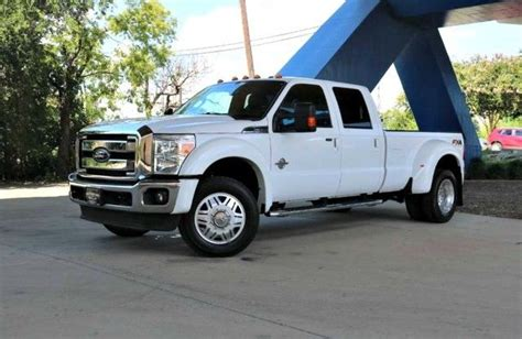 loaded  ford   lariat lifted  sale
