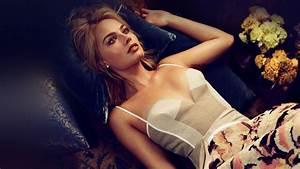 hp10-celebrity-girl-bed-film-wallpaper
