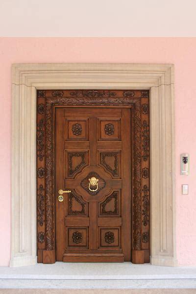 portoni ingresso portoni ingresso legno portoni su misura portoni legno