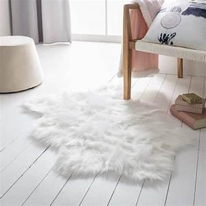 Tabouret Poil Blanc : tapis poil blanc noir rond laine berbere but adum fausse redoute nettoyer chateauguay graphique ~ Teatrodelosmanantiales.com Idées de Décoration