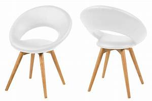 Fauteuil design en cuir blanc et pietement bois mule mykaz for Fauteuil design bois et cuir