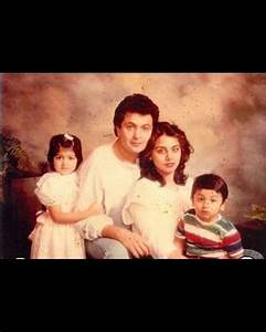 Here is a another picture of Rishi Kapoor's family from ...