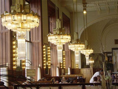 chandelier cafe restaurant chandeliers chandelier ideas