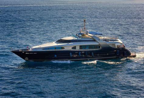 motor yacht blue mamba oceanline yacht harbour