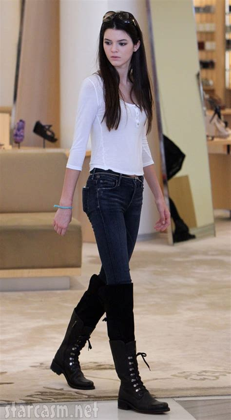 PHOTOS Kendall Jenner outshines Kim Kardashian while shopping in Beverly Hills?