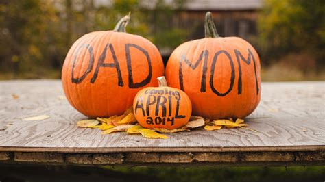 beautiful fall themed pregnancy announcements