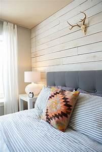 habillage mur chambre lame bois clair With mur de chambre en bois
