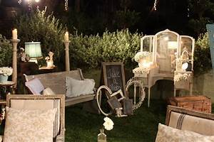 Decor Photobooth Mariage : storibook weddings tori and dean 39 s shabby chic wedding behind the scenes heavenly blooms ~ Melissatoandfro.com Idées de Décoration