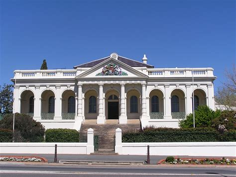 Court House - yass new south wales simple the free