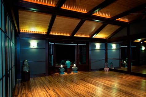 tranquil yoga room designs that will motivate you to workout