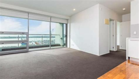 Apartment Living Auckland by Auckland Harbour View Apartment Sells For Just 20k Newshub