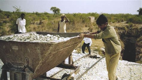 bbc news  pictures asbestos mining  india