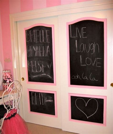Decorating Ideas For Bedroom Door by 5 Ways To Decorate Your Closet Doors