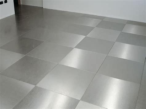 piastrelle acciaio pavimentazione in acciaio inox