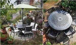 Runder Holztisch Garten : sitzpl tze im garten gem tlich mit metall gartenm beln gestalten ~ Markanthonyermac.com Haus und Dekorationen