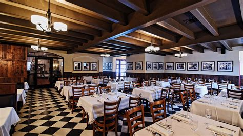 al ficos  school italian dining room