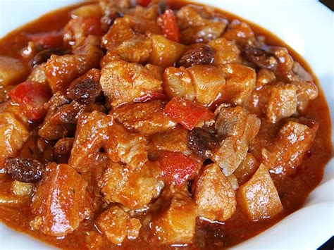 menudo recipe filipino menudo recipe filipino menudo is a stew of pork meat and liver cubes with garbansos