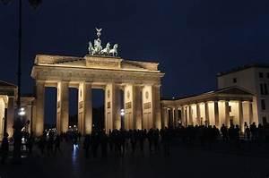 Berlin Schwarz Weiß Bilder : brandenburger tor nacht berlin romantisch download der kostenlosen fotos ~ Bigdaddyawards.com Haus und Dekorationen