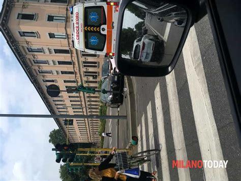 """Moto 3, terribile incidente per il pilota 19enne jason dupasquier durante le qualifiche sul circuito del mugello: Incidenti stradali a Milano in Viale Mugello, 1: """"Incidente"""" :: Segnalazione a Milano"""