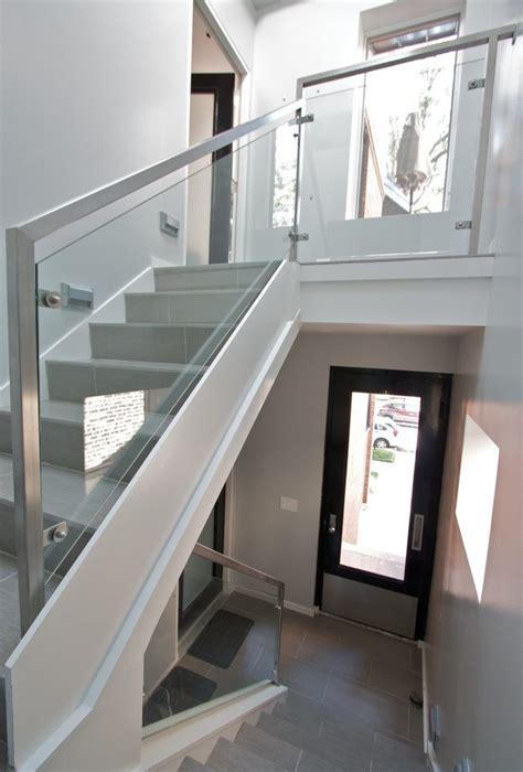 re d escalier en verre garde corps net