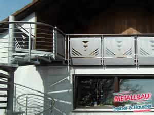 treppe verzinkt metallbau treiber hausner balkongeländer edelstahl stahl alu beschichtet