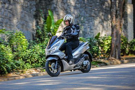Pcx 2018 Azul by Honda Pcx 2018 Chega Em Novas Cores Moto Adventure