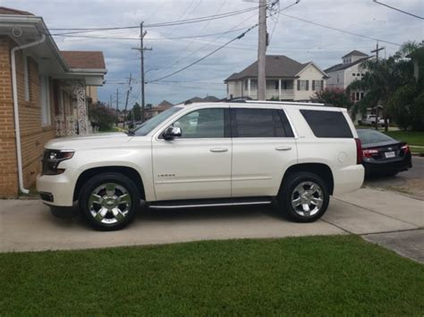 chevy tahoe ltz  owner pearl white leather