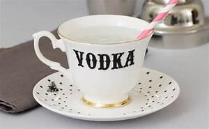 Geschirr Mit Tiermotiven : die wodka tea party tassen mit wodka beschriftung woman at ~ Sanjose-hotels-ca.com Haus und Dekorationen