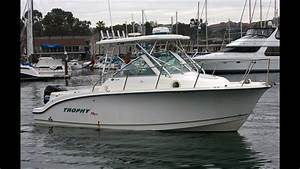 Trophy 2502 Fishing Boat Underway   South Mountain Yachts