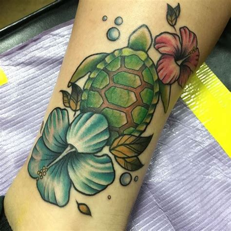 hibiscus flower tattoos designs trends ideas