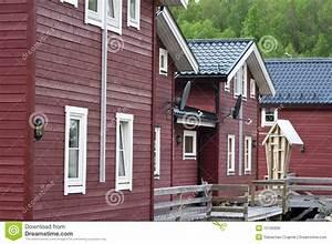 Häuser In Norwegen : h lzerne norwegische h user lizenzfreie stockfotos bild 10106938 ~ Buech-reservation.com Haus und Dekorationen