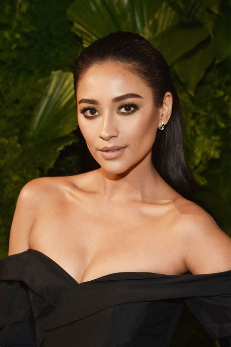 shay mitchell  ae network upfront event  nyc