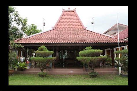rumah adat bali gapura candi bentar beautiful indonesia umm